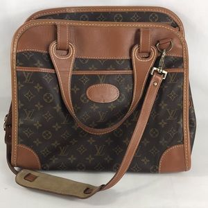 ✨COLLECTABLE✨ TRAVEL FRENCH LOUIS VUITTON